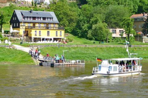 Fähre über die Elbe