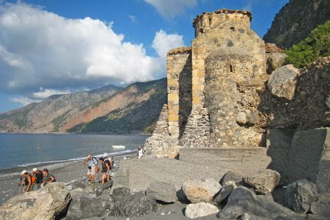 Kapelle direkt an der Küste in Agios Pavlos