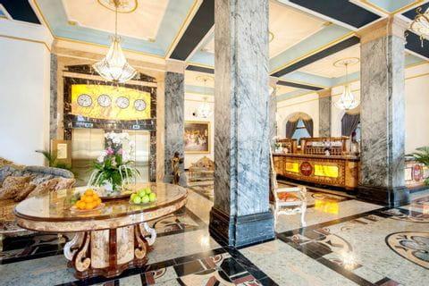Lobby im Häckers Grand Hotel