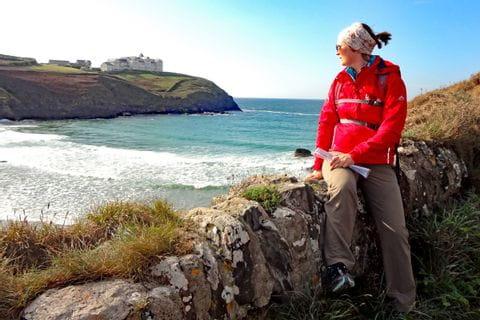Küstenpfade mit Wanderblick in Cornwall