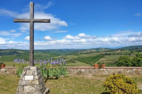Weiter Blick von der Kirche in San Leolino aus
