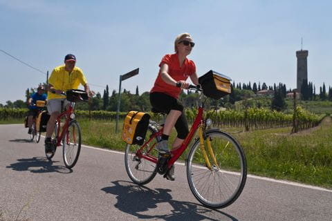 Radfahrer in der Gegend von Desenzano