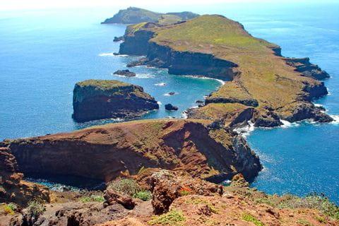 Zerklüftete Inselketten im Wanderparadies Madeira