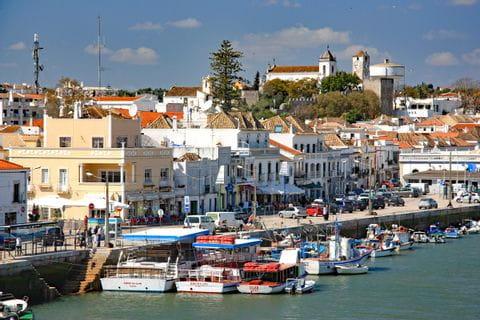 Die malerische Hafenstadt Tavira