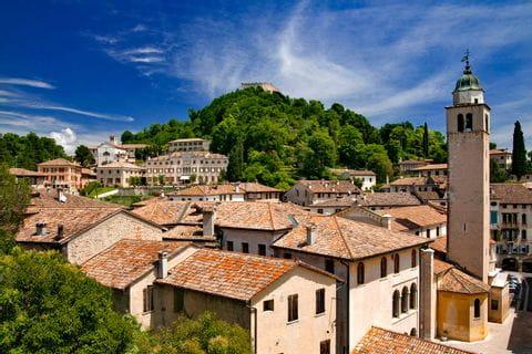 Blick über die Dächer von Asolo