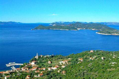 Ausblick über die Landschaft und das Meer in Dalmatien