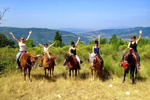 Gruppe beim Reitausflug in der Toskana