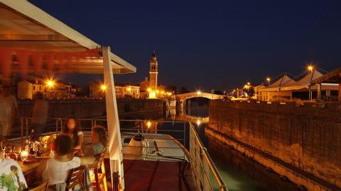 Der Hafen von Venedig beim Sonnenuntergang