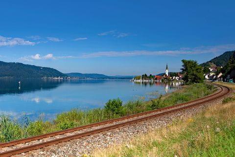 Eisenbahnschienen in Sipplingen direkt am Bodensee