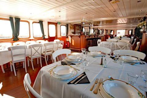 MS Magnifique I, Restaurant