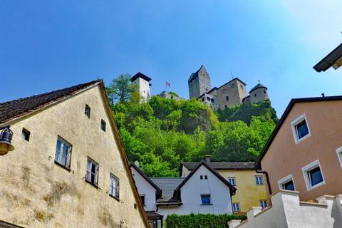 Burgenblick bei der Wanderreise im Altmühltal