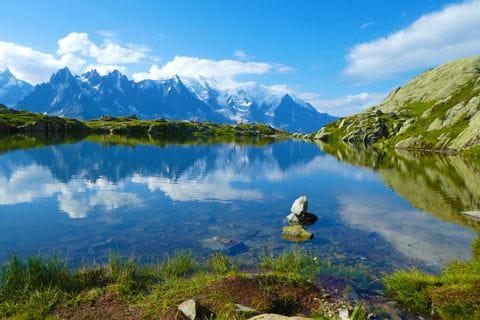 Bergsee mit Blick auf den Mont Blanc