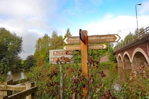 Wanderwegschild in England