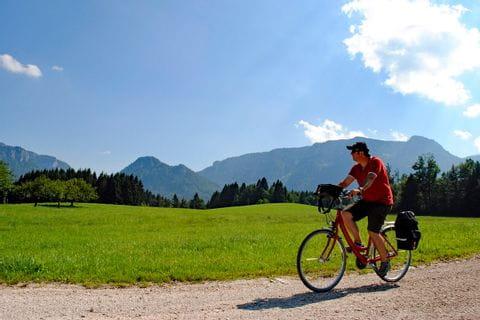 Radfahrer auf Radweg