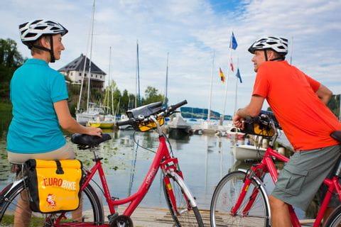 Cyclists at Lake Mattsee