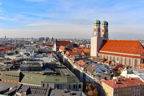 Blick auf die Frauenkirche in München