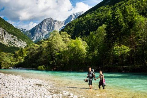 Wanderrast am Fluss Soca