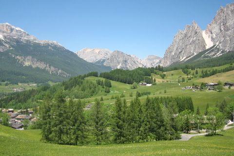 Wandern ohne Gepäck in den Dolomiten
