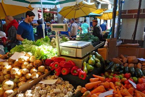 Gemüsestand auf dem Markt von Funchal