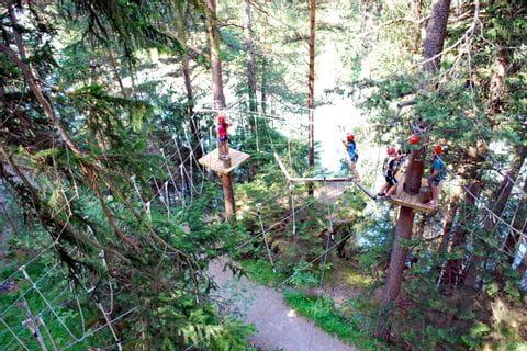 Klettererlebnis im Waldseilgarten in Pfunds