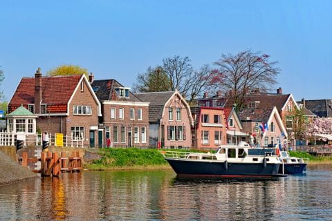 Häuser am Ufer