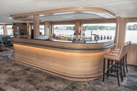 Bar, MS DE HOLLAND
