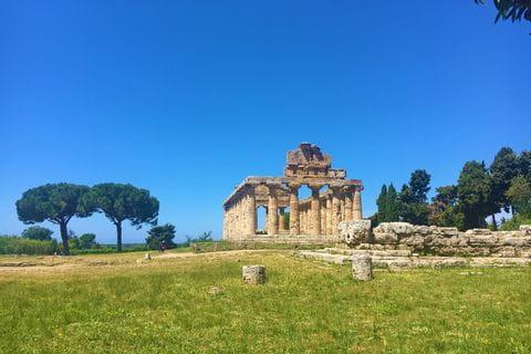 Die Ruine des griechischen Tempels Paestum