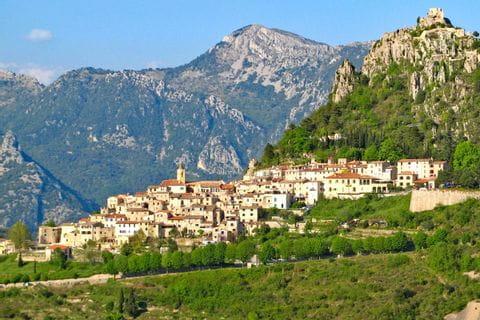 Faszinierendes Bergpanorama auf Wanderwegen rund um Sainte-Agnes