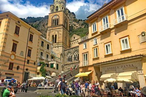 Imposanter Dom in Amalfi