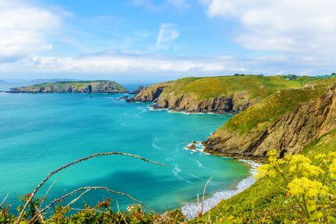 Traumhafte Küstenausblicke beim Wandern auf den Kanalinseln