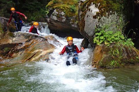 Naturrutsche beim Canyoning in Kärnten