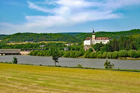 Radweg an der Donau