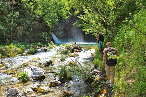 Wanderpfade durch die Schluchten des Balkans