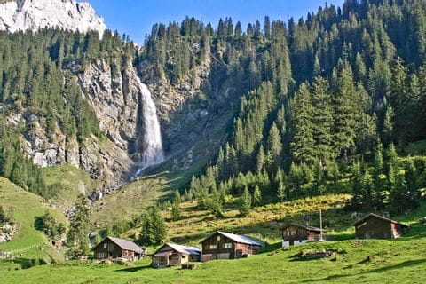 Zauberhafter Wasserfall im Urnerland