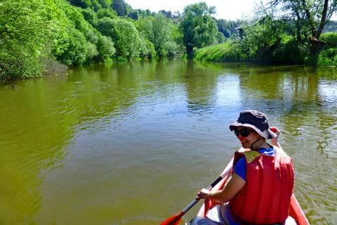 Fahrt mit dem Kanu auf der grünen Altmühl