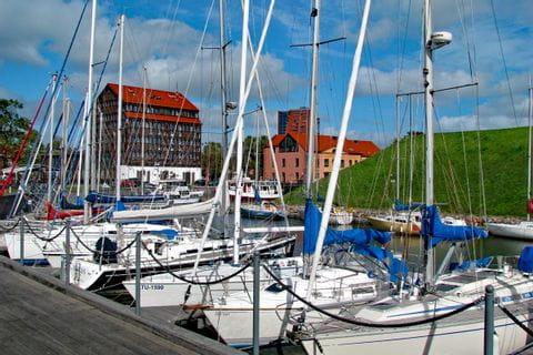 Yachthafen mit Booten in Klaipeda