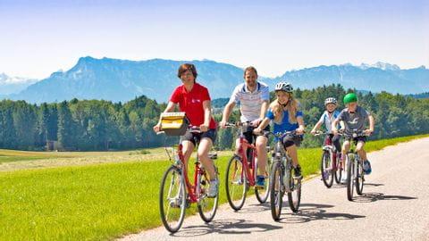 Radreisen mit Kindern im Salzburger Seenland Radweg in Mattsee