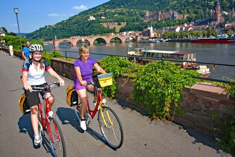 Auf dem Radweg am Neckar vor den Toren Heidelbergs