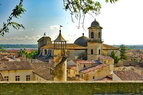 Blick über das wunderschöne Stadt Beaucaire
