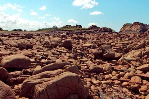 rosa Granitküste