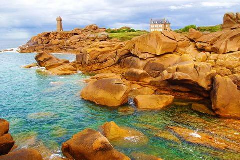 Atemberaubende Granitküsten auf der Wanderwoche in der Bretagne