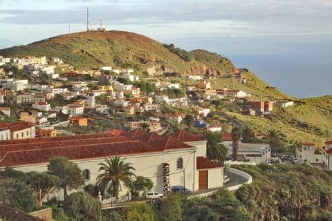 Schoener Wanderausblick auf die Hauptstadt von El Hierro - Valverde