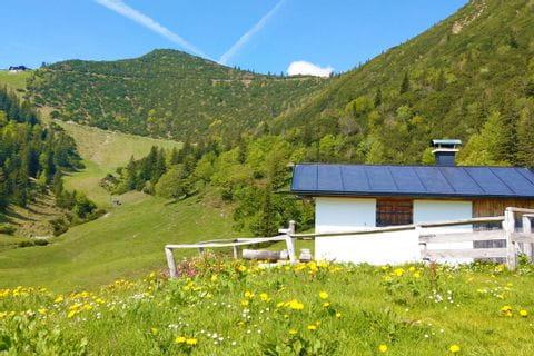Wunderschönes Bergpanorama am Wanderweg von München nach Garmisch