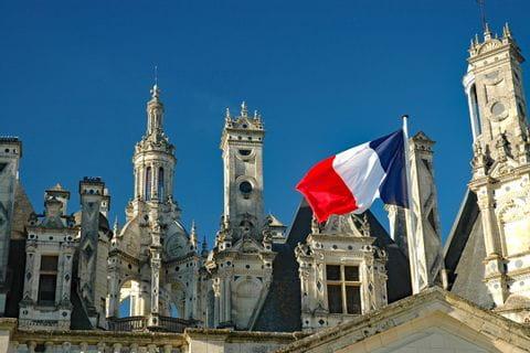 Schloss mit Flagge