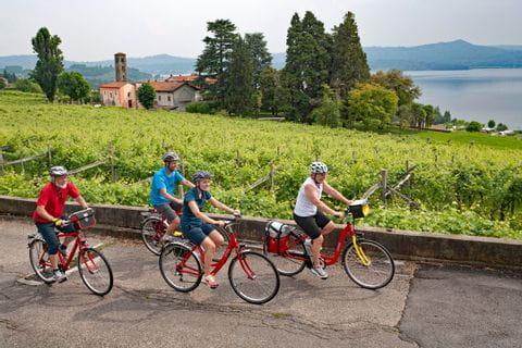 Radfahrer am Viverone See