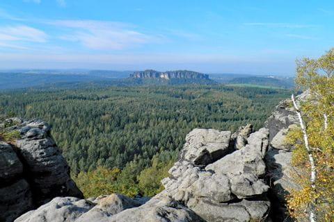 Beeindruckende Aussicht auf den Pfaffenstein