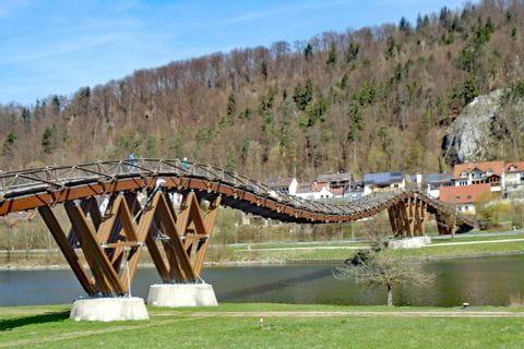 Wanderung bei der Holzbrücke Essing im Naturpark Altmühltal