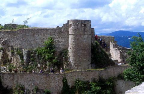 Traumhafter Wanderausblick auf Château du Hohlandsbourg