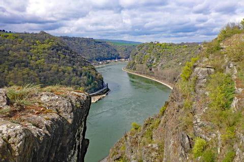 Der berühmte Loreley Felsen am Rhein