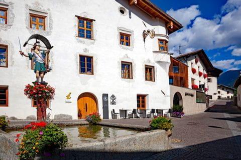 Dorfplatz in Burgeis